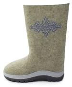 """Обувь валяная """"Кукморские"""" с вышивкой с отделкой бисером на формованной подошве"""